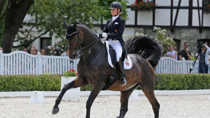 2. Platz Jessica von Bredow-Wendl (GER) mit Ihrem Pferd TSF Dalera BB , Preis der peiker CEE GmbH - CDI4* FEI Grand Prix