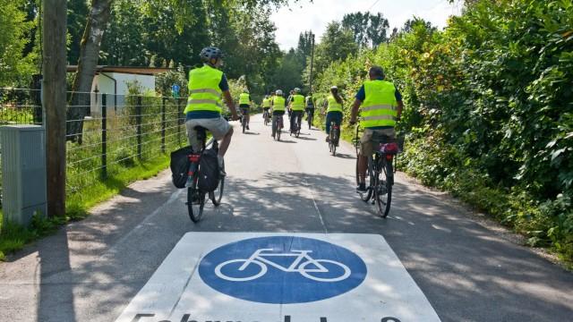 Poing: Fahrbahnmarkierungen und Fahrradständer wurden überprüft.