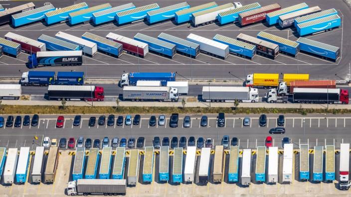 Luftbild, LKW Parkplatz Logistik, Dortmund, Ruhrgebiet, Nordrhein-Westfalen, Deutschland !ACHTUNGxMINDESTHONORARx60xEURO
