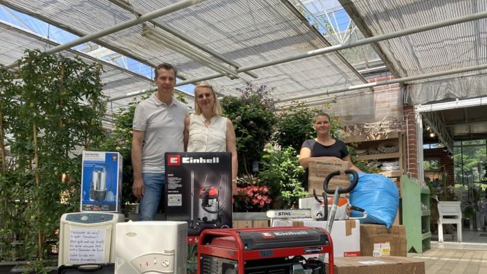 Hilfsaktion Zorneding, Hilfe für Nordrhein-Westfahlen; Stefan und Meike Winsel, Andrea Heine (Gärtnerei Schütz)