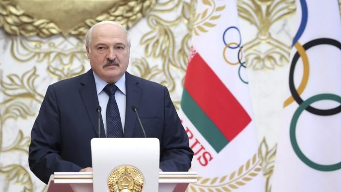 Belarussischer Präsident Lukaschenko trifft Olympioniken