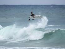 Surfer Leon Glatzer