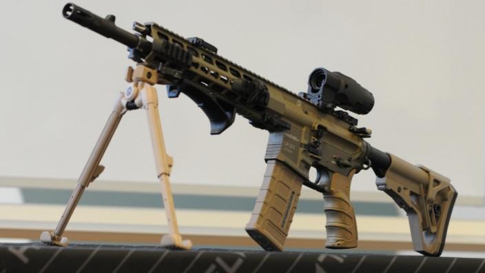 Sturmgewehre, die diesem Modell von Haenel entsprechen, will die Firma an die Bundeswehr verkaufen.