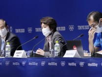 Tokyo Olympics: Organizing committee chief Hashimoto Seiko Hashimoto (C), president of the Tokyo Olympic and Paralympic; Olympia