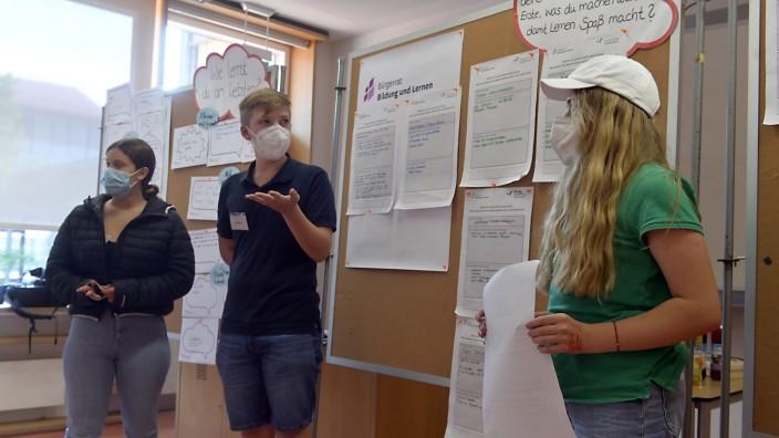 Bildung: Die Schüler entwickelten ihre Vorstellungen von einer besseren Schule anhand konkreter Fragen.