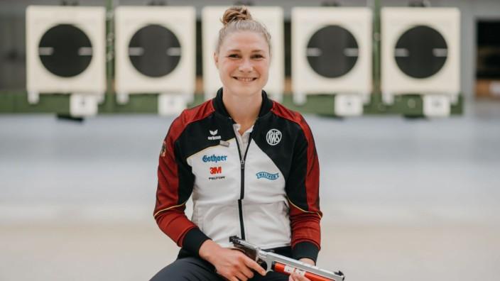 """Luftpistole: Ins Finale könne sie kommen, glaubt Carina Wimmer. Dort sei """"alles möglich""""."""