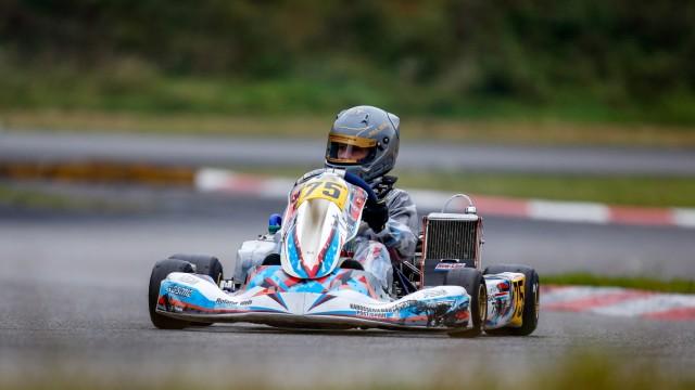Sport: Da sitzt er noch im Kart. Bald wird Max Reis 15. Dann darf er auf die Formel 4 umsteigen. Mehr über ihn auf www.max-reis.de