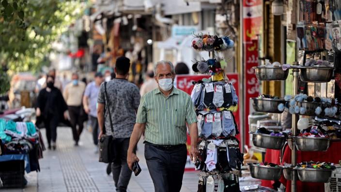 Iran: Viele Iraner möchten im globalen Dorf leben wie alle anderen auch. Danach aber sieht es nicht aus.