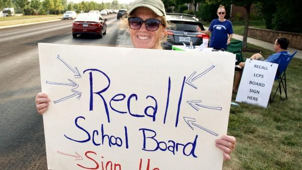 "USA: Proteste gegen ""Critical Race Theory"" und Anti-Rassismus an Schulen"