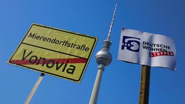 Protest gegen den Mietenwahnsinn Protest gegen den Mietenwahnsinn 06 04 2019 Mitte Alexanderplatz