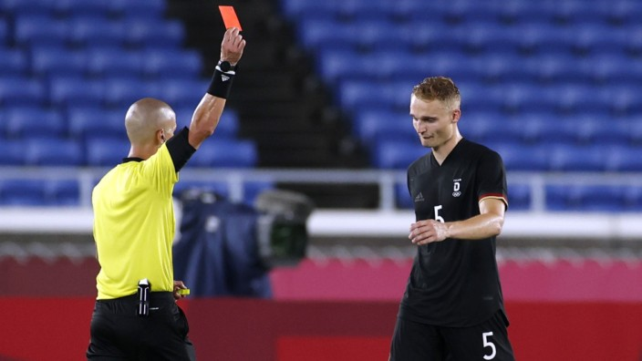 Soccer Football - Men - Group D - Saudi Arabia v Germany
