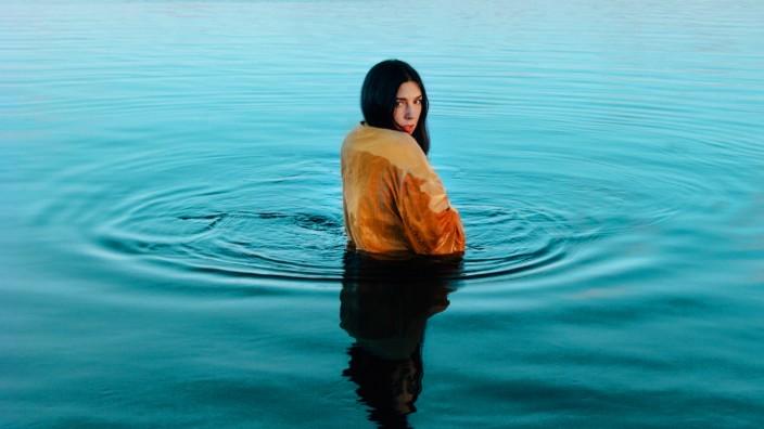 """Debüt-Single: Ihre erste Single hat Sandra Gern als """"Polar Noir"""" zum World Oceans Day veröffentlicht."""