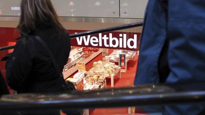 Eine Filiale des Weltbildverlags in der Einkaufs Mall City Galerie in Augsburg am 11 01 2014 Der In