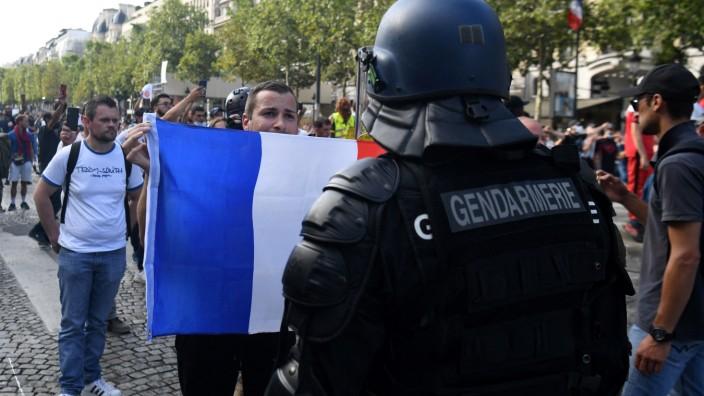 Corona in Frankreich: Proteste gegen den Gesundheitspass