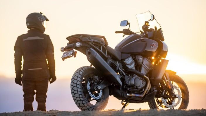 Große Reiseenduro im Test: Langstreckenfahrten im Stil des American Way of Ride? Bei der Harley-Davidson Pan America ist alles anders als bei klassischen Cruisern.