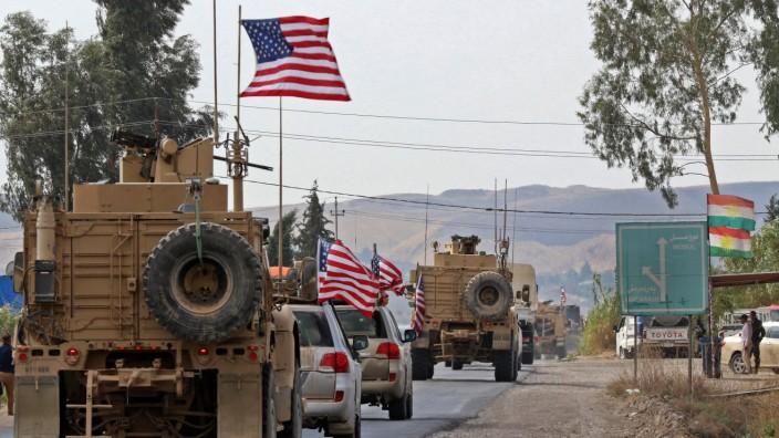 Naher Osten: Irans Führung wartet auf ihre Chance, ein Vakuum zu füllen: US-Konvoi beim Abzug aus Syrien 2019.