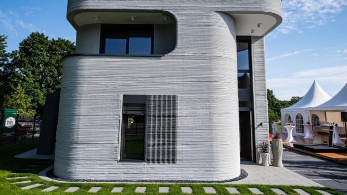 Einweihungsfeier Wohnhaus aus dem 3D-Drucker