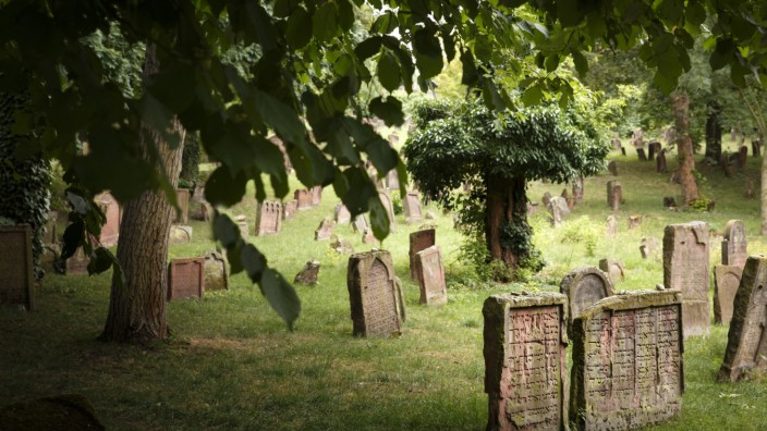 Juedischer Friedhof in Worms 09 07 2015 Worms Deutschland PUBLICATIONxINxGERxSUIxAUTxONLY Copyrigh