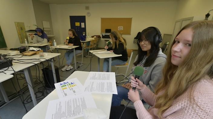 Pflegealltag: Die Schülerinnen produzierten zwei Podcasts, die auch an anderen Schulen zu hören sein werden.