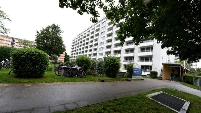 Trinkwasserversorgung: Der Notverbund mit Freising gerät in Oberschleißheim in Hochhäusern an Grenzen.