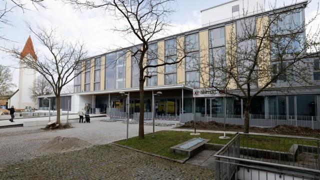 Eching: Ursache der Durchsuchung des Echinger Rathauses ist offenbar ein abgeschlossenes Zivilverfahren gegen Bürgermeister Thaler.
