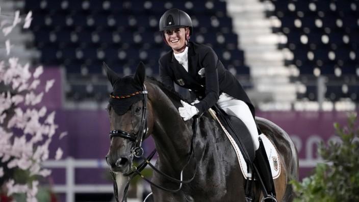 Dressur bei Olympia 2021: Jessica von Bredow-Werndl