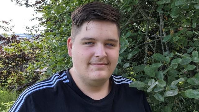 Blattmacher 2020/2021: Der 17-jährige Adrian Eisel ist Chefredakteur von HFGwaaf!. Mit der Online-Zeitung des Hochfranken-Gymnasiums Naila hat die Redaktion den zweiten Platz belegt.