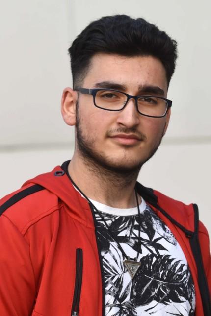 Absolventen im Landkreis: Geschafft: Ahmet Ciftci hat die Realschule abgeschlossen.