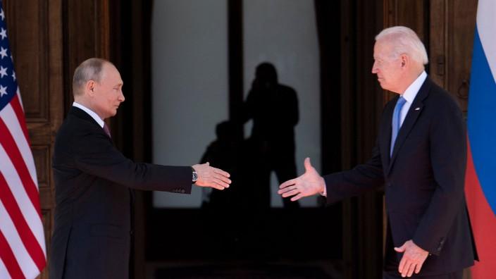 Atomwaffen: Im Juni traf Joe Biden (r.) Wladimir Putin in Genf. Dabei ging es auch darum, mit welchem Mitteln die Länder im Ernstfall gegeneinander Krieg führen würden.