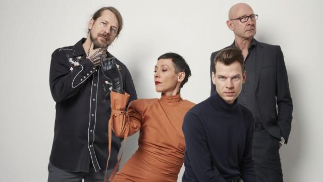 """Jazz: Münchner Einflüsse: Die Band KUU! um Kammerspiele-Ensemblemitglied Jelena Kuljic stellt in Saalfelden ihr Act-Album """"Artificial Sheep"""" vor."""