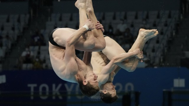 Olympia in Bildern: Lars Rudiger (vorne) und Patrick Hausding springen zu Bronze im Synchron-Wasserspringen.
