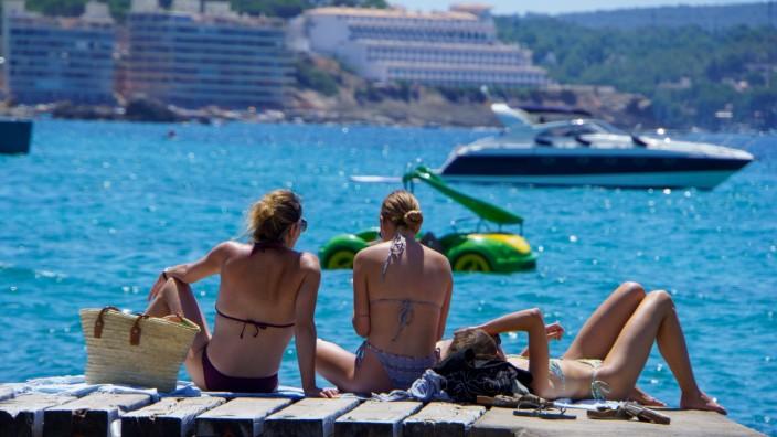 Strand von Paquera auf Mallorca, Spanien, im zweiten Jahr der Corona-Pandemie Hochsaison Sommer 2021 -;Strand von Paquer