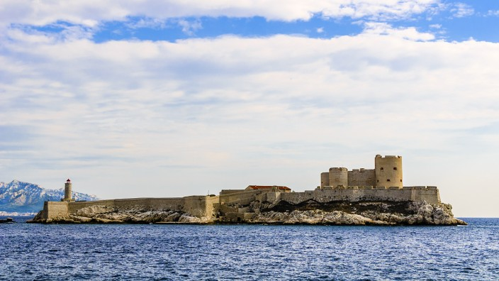 Dem Geheimnis auf der Spur: Die Insel Chateau d`If bei Marseille.