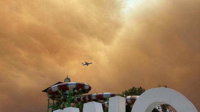 Mehrere Waldbrände in türkischer Urlaubsregion Antalya