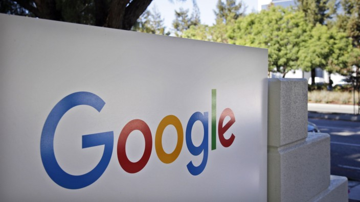 Impfpflicht: Wer aus dem Home-Office in ein Google-Büro zurückkehren möchte, muss geimpft sein, zumindest in den USA. Firmeneingang in Mountain View in Kalifornien.