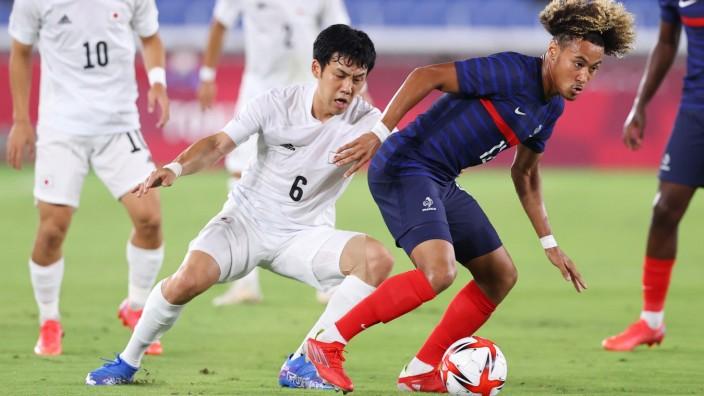 Fußball bei Olympia 2021: Japans Wataru Endo im Spiel gegen Frankreich