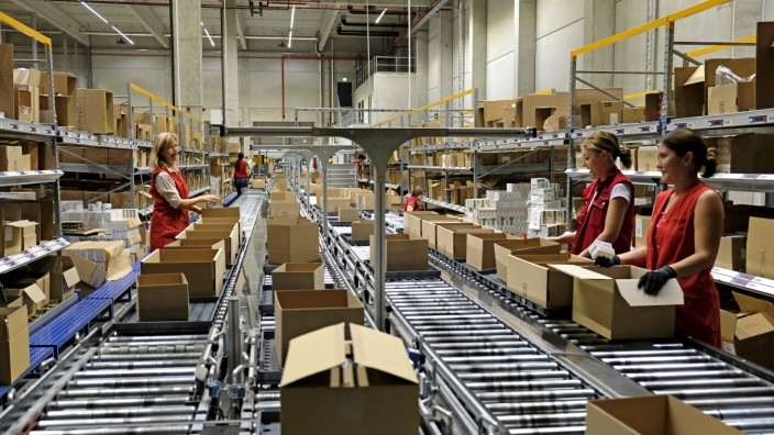 Wirtschaft im Oberland: Auch der Pharma-Logistiker Loxxess hat seinen Firmensitz in Geretsried.