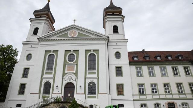 Im Kloster Schlehdorf: Transformation vom Kloster zum Cohaus.