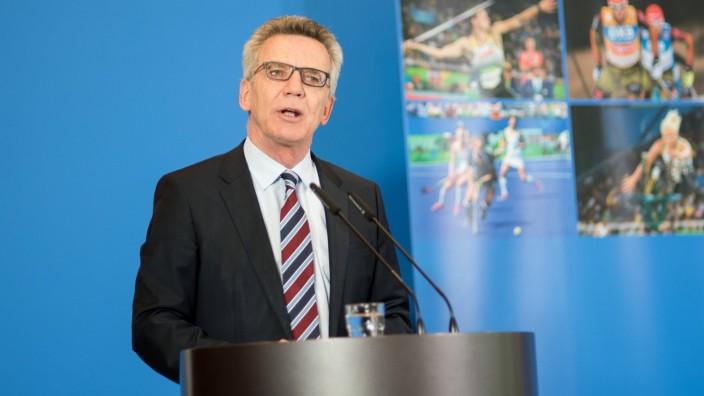 Dr Thomas de Maiziere Fototermin im BMI 08 05 2017 PotAS Kommission Vorstellung im BMI Berlin; Maiziere