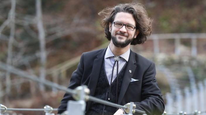 """Johannes Kretschmann ist vielen bekannt als """"der Sohn des baden-württembergischen Ministerpräsidenten Kretschmann"""". Als Bundestagskandidat für die Grünen muss er natürlich mehr bieten als einen Namen."""