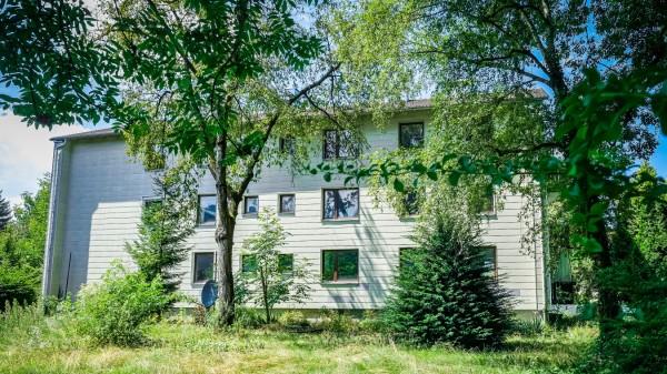 GRÖBENZELL: Wohnhaus Dr-Troll.Str.
