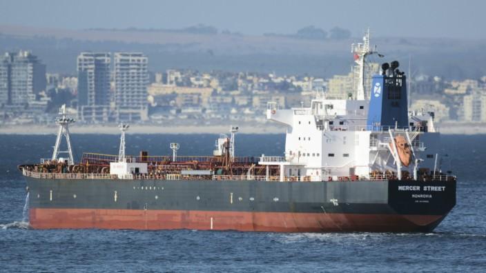 """Indischer Ozean: Am Donnerstag ist der Tanker """"M/T Mercer Street"""" attackiert worden. Dieses Archivbild zeigt ihn vor Kapstadt."""