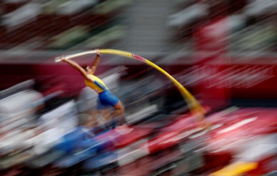 Athletics - Men's Pole Vault - Qualification