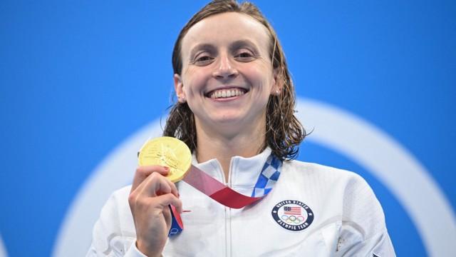 Schwimmen: Katie Ledecky gewinnt immer noch, aber nicht mehr so überlegen wie früher. Hier nach ihrer Goldmedaille über 800 Meter Freistil.