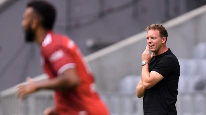 Fussball Audi Football Summit 2021 in der Allianz Arena FC Bayern Muenchen - SSC Neapel 31.07.2021 Trainer Julian Nagels
