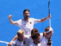 Hockey - Men - Quarterfinal - Germany v Argentina