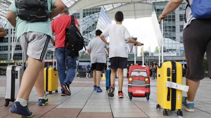 Ferienbeginn am Flughafen: Am Samstag ist viel los auf dem Münchner Flughafen.