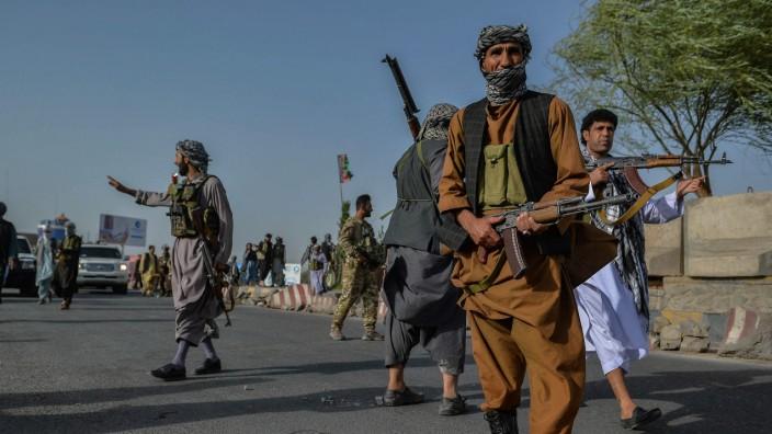 Kampf gegen die Taliban: Milizen und afghanische Sicherheitskräfte in der östlichen Provinz Herat.