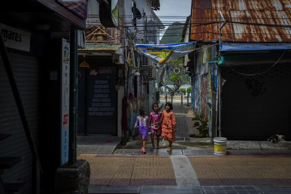 Phi Phi Island Postpones 'Sandbox' For Vaccinated Tourists