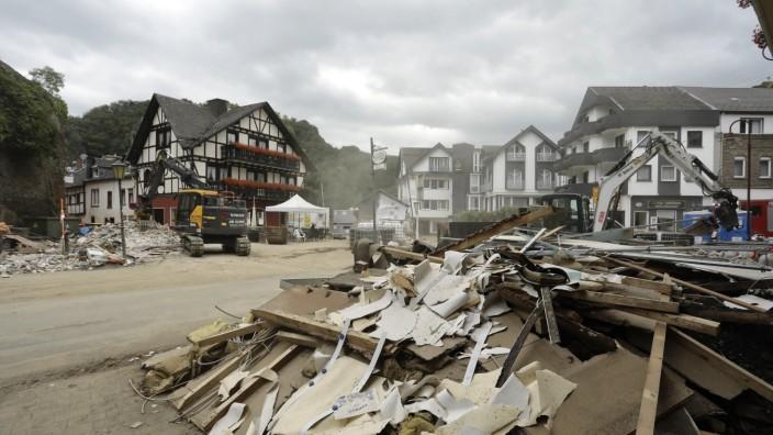 31.07.2021, Altenahr, Deutschland - Flutkatastrophe im Ahrtal. Foto: Der Ortskern von Altenahr nach der Flutkatastrophe
